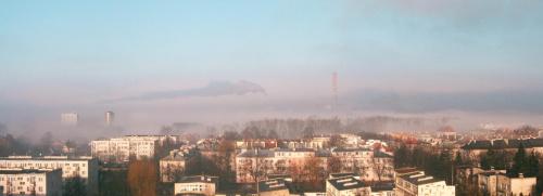 Budzi się dzień - poranne mgły, widok z mojego okna #Kielce #poranek #mgła