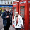 Londyn, znane wszystkim budki telefoniczne. O dziwo, wszędzie wisiały słuchawki. W Polsce najczęście wiszą same druty, lub nic nie wisi. #Londyn #budki #telefon