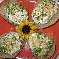 Gruszki faszerowane serem pleśniowym z orzechami.Przepisy: www.foody.pl , WWW.kuron.pl i http://kulinaria.uwrocie.info/ #przystawki #owoce #jedzenie #kulinaria #gruszki #ser #orzechy