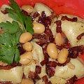Pierogi fasolowo-mięsnePrzepisy na : http://www.kulinaria.foody.pl/ , http://www.kuron.com.pl/ i http://kulinaria.uwrocie.info/ #Pierogi #mięso #fasola #obiad #DrugieDanie #jedzenie #kulinaria