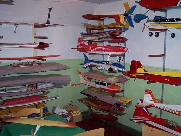 Where do you store your models? Aa2c5b627100051e