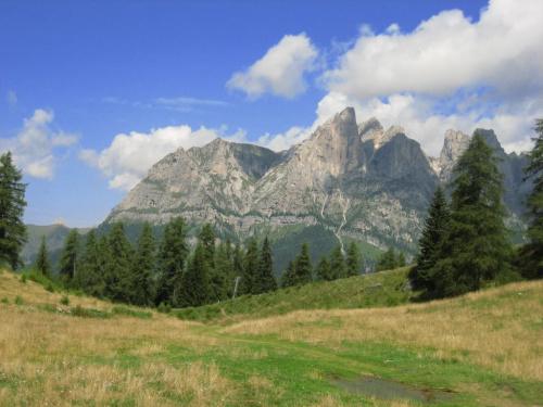 grupa M. Cernera (2657 m) z przeł. Pecol; korekta błękitu #góry #Dolomity #Włochy