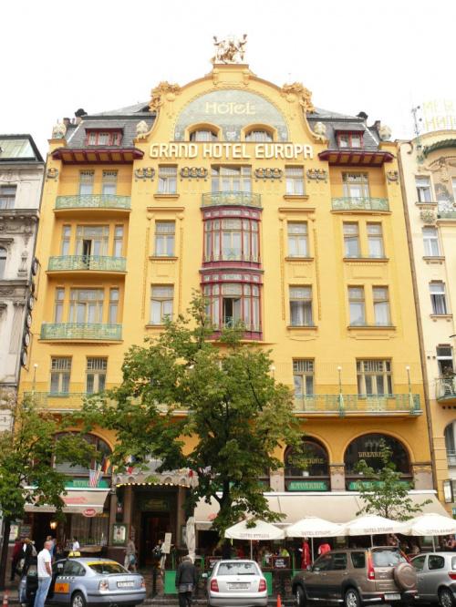 Secesyjny budynek Hotelu Europa przy Placu Wacława #Praga