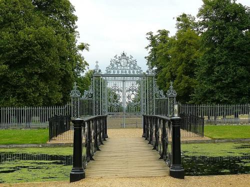 ogrody od strony wschodniej #Hampton #Londyn #Tudor